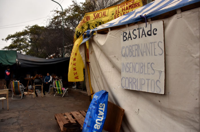 Tras 45 días, acuerdo y fin del acampe en Desarrollo Social