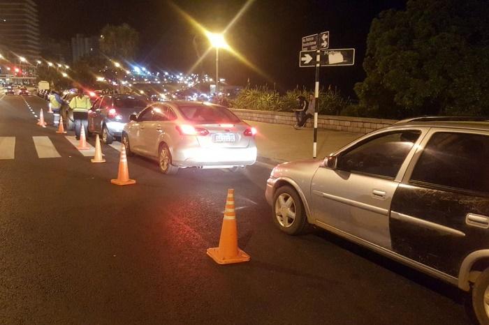 Operativo de alcoholemia en Playa Grande: 10 autos secuestrados