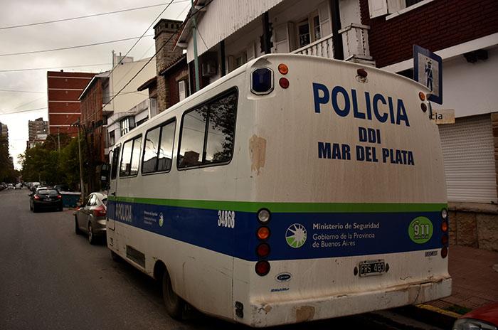 Esclarecendos robos: el acusado está detenido por balear a policía