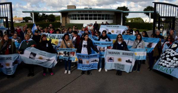 ARA San Juan: demoras en la contratación y malestar