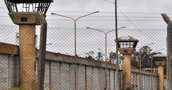 Se escapó un interno del Penal de Batán y desafectaron a un agente penitenciario