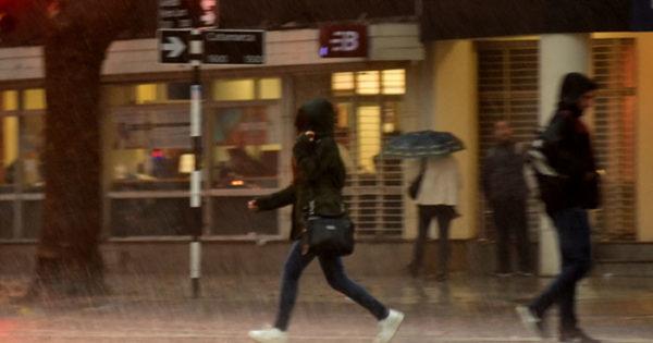 Renovaron el alerta meteorológico por fuertes lluvias