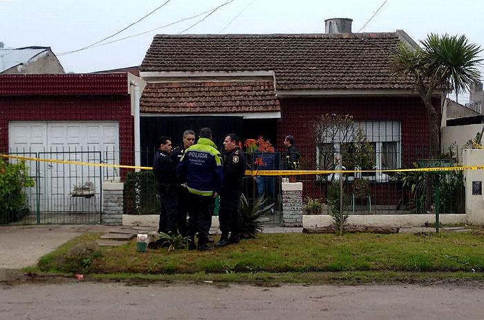 Mataron a puñaladas a una pareja de ancianos en su casa