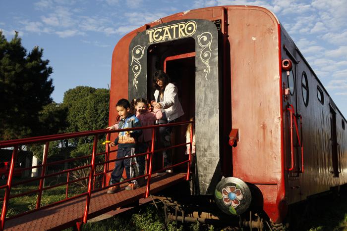 """Reabre """"El vagón de los títeres"""""""