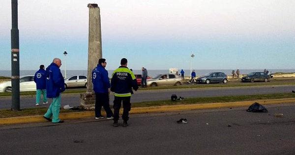 Murió un motoclicista tras chocar contra una columna en la costa