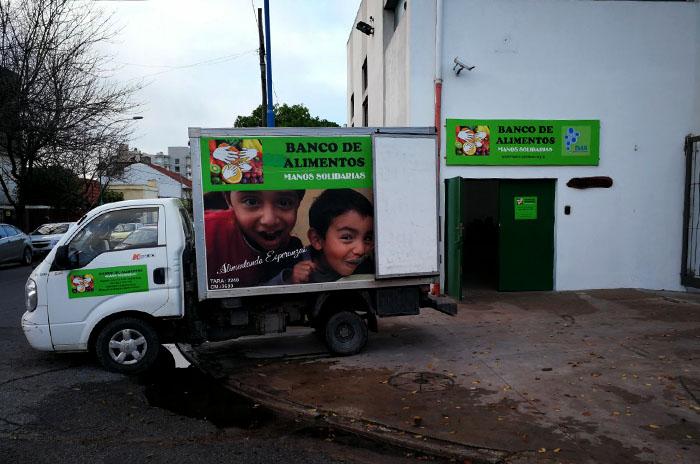 Banco de alimentos: la tarea solidaria de repartir 35 mil kilos por mes