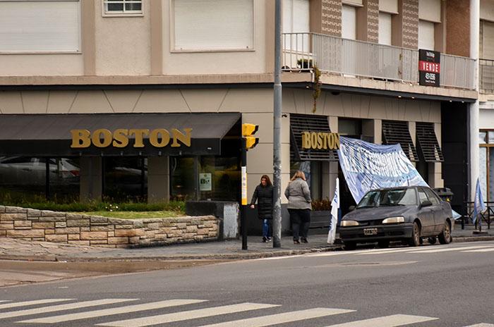 LA BOSTON CONFITERIA  (1)