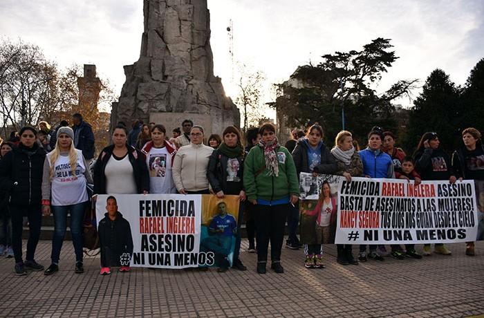 MARCHA RECLAMO FEMICIDIO NANCY SEGURA  (5)