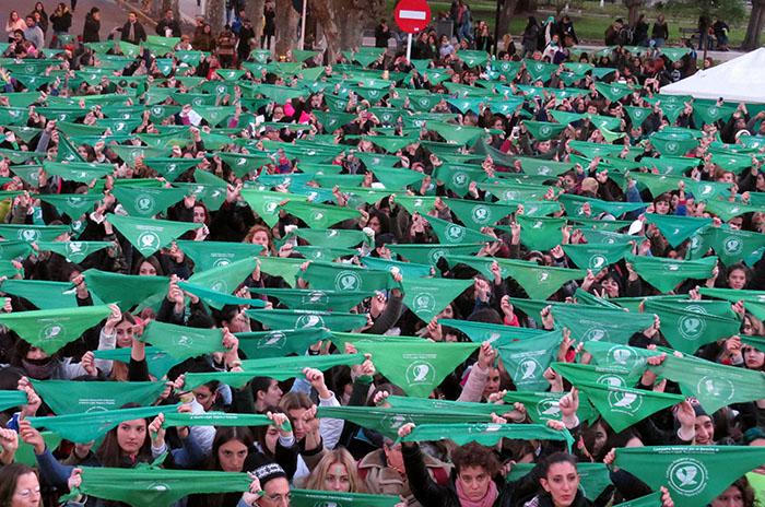 Pañuelazo y vigilia por el aborto legal, también en Mar del Plata