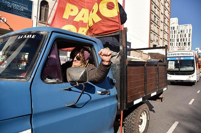 Caravana, protesta y acto del Frente de Izquierda