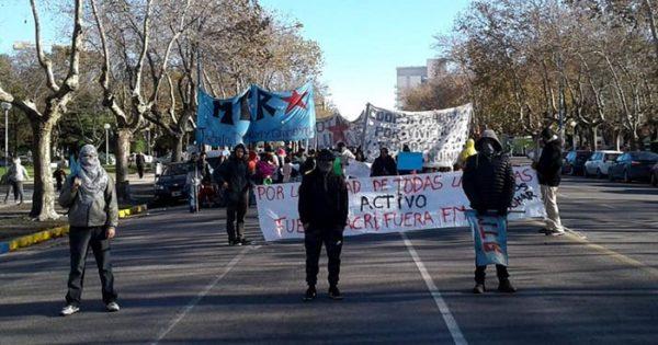 Paro: organizaciones de izquierda marcharon en el centro