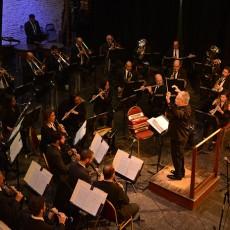 Banda Sinfónica junto a Sucio y Desprolijo, fusión de clásico y rock