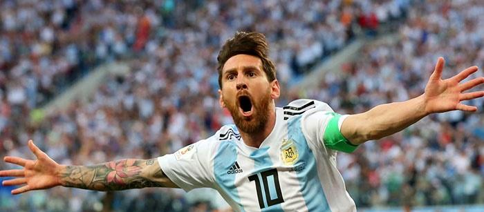 Argentina le ganó a Nigeria sobre el final y se metió en octavos