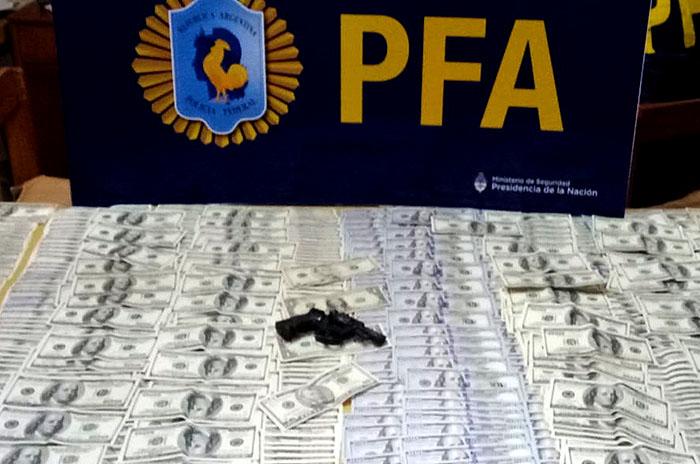"""""""Dólar Blanco"""": diez detenidos por falsificar y vender dólares"""