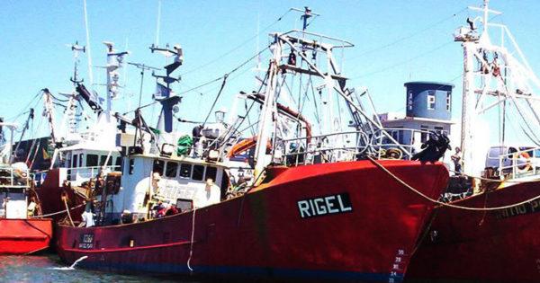 """Rigel: la mancha de gasoil """"sería un indicio"""" del hundimiento"""