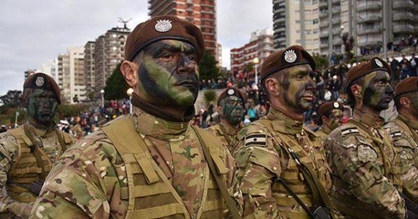 El acto oficial por el Día de la Independencia en fotos