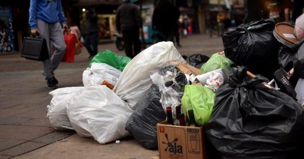 Cuarto día de basura en las calles y ninguna solución