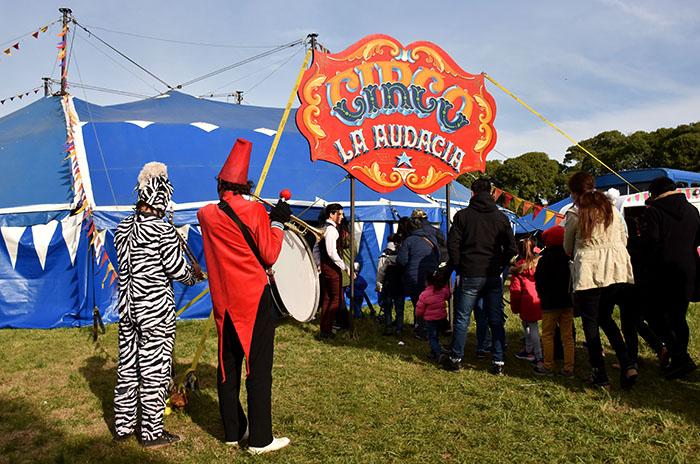 Una vez más, el gobierno ordena desalojar el Circo La Audacia