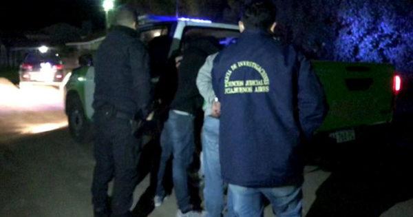 Detienen a cuatro hombres que intentaban robar en una casa