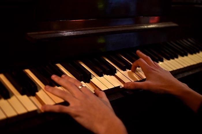 JUAN ROBLES PIANO  (5)