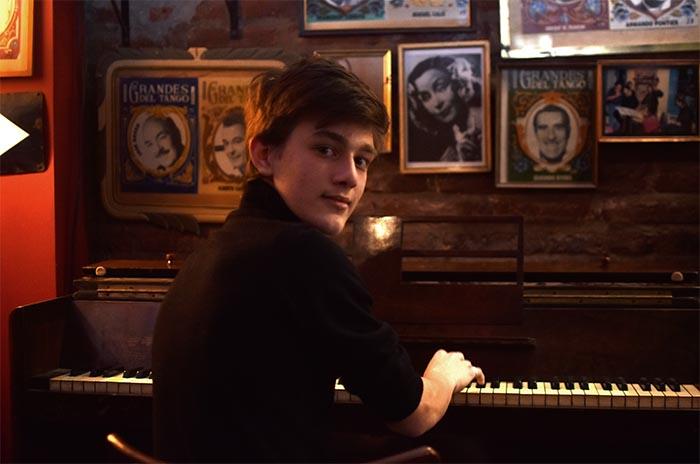 """Un solo de piano con Juan Robles: """"La música me enamora"""""""