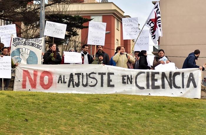 PROTESTA MACRI EN MAR DEL PLATA ciencia conicet