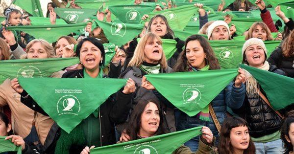 Aborto: once micros desde Mar del Plata y vigilia en la ciudad