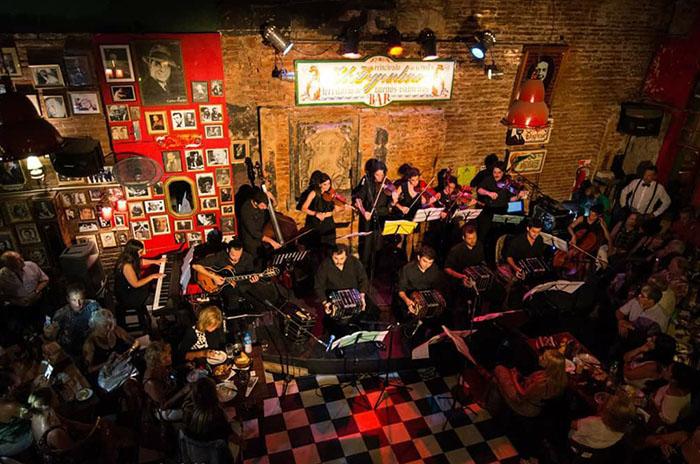 """La Orquesta Típica Rayuela presenta """"Un poco más al Sur"""""""