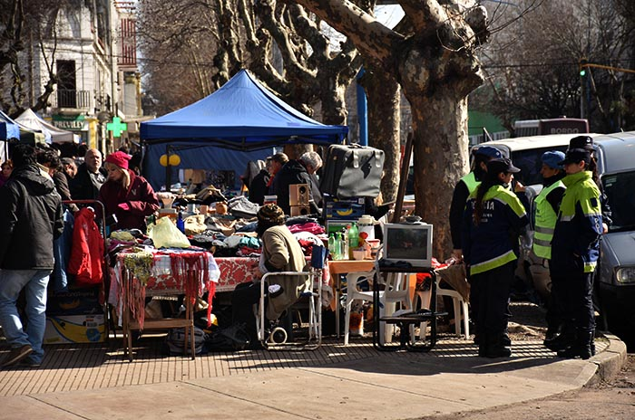 El gobierno sigue pensando en el traslado de los feriantes de Plaza Rocha