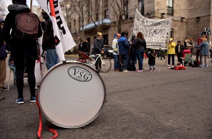 PROTESTA RECLAMO CARPA CONTRA EL HAMBRE VOTAMOS LUCHAR MTR  (4)