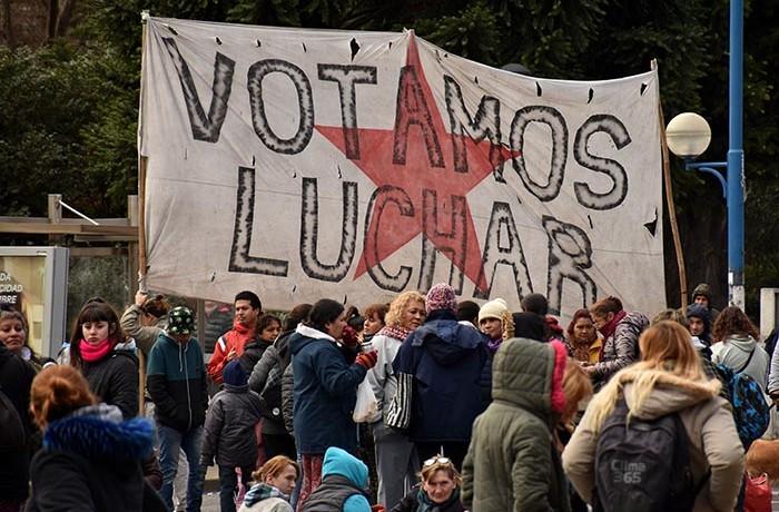 PROTESTA RECLAMO CARPA CONTRA EL HAMBRE VOTAMOS LUCHAR MTR  (5)