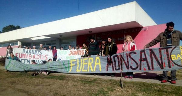 "Exigen detener ""urgente"" las fumigaciones en Félix U. Camet"