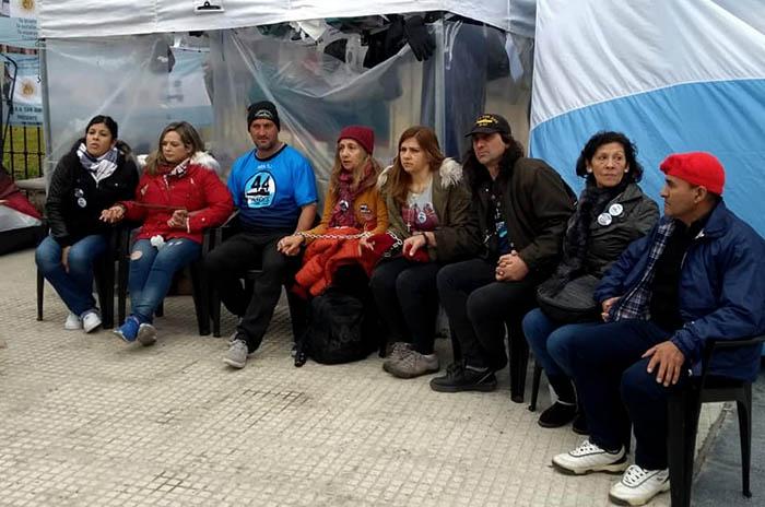Submarino: familiares denuncian que los quieren desalojar