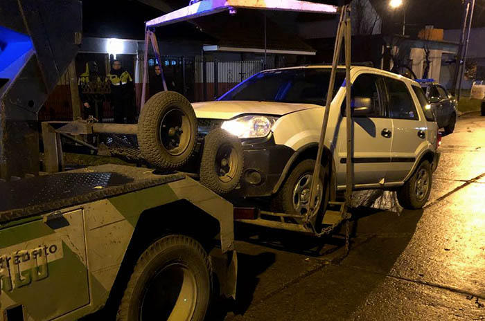 Manejaba alcoholizado y chocó cinco autos estacionados