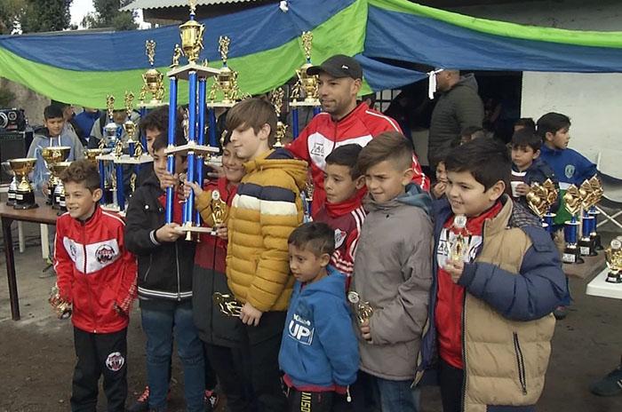 La Liga Barrial de Fútbol tuvo su premiación