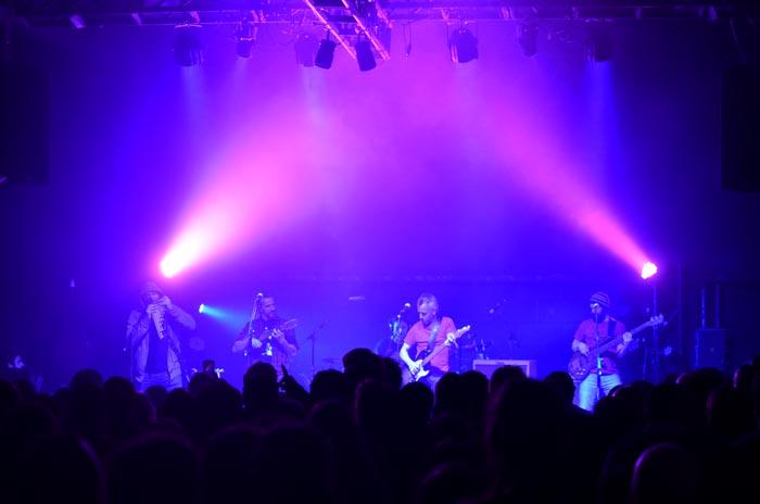 Otro concierto circular de Creciente, junto a Locales Rock