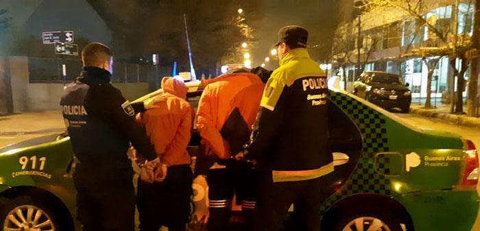 Robo, asalto, persecución y choque: dos jóvenes detenidos