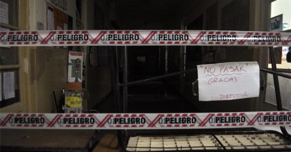 """Escuelas: entre la emergencia y una """"intervención histórica"""" edilicia"""