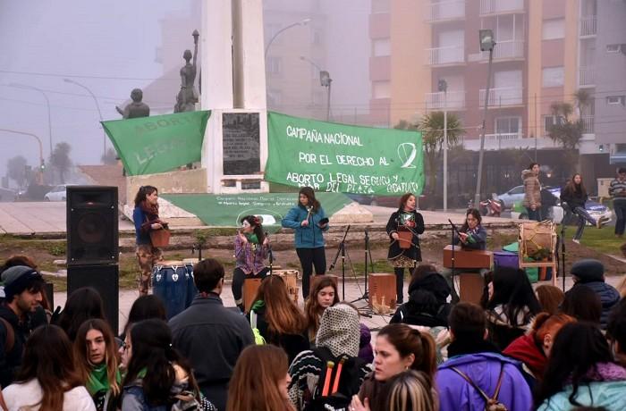 FESTIVAL DERECHO AL ABORTO PLAZA ESPAÑA (2)