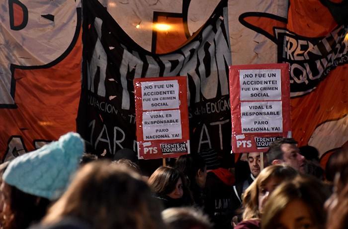 MARCHA DEL SILENCIO DOCENTES EXPLOCION MORENO  (10)