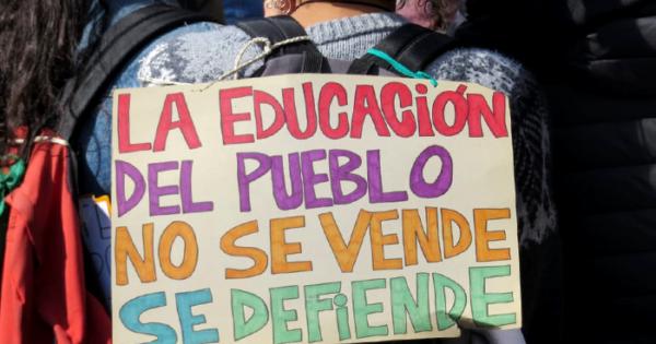 """Centro de Formación Profesional N°416: """"No al cierre arbitrario"""""""