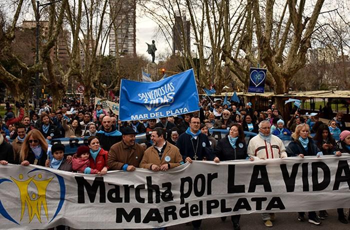 MARCHA POR LAS DOS VIDAS CONTRA EL ABORTO  (1)