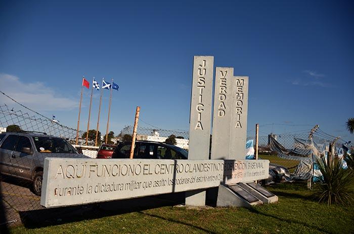 """Base Naval: de luchar por la libertad a vivir """"una soledad muy grande"""""""