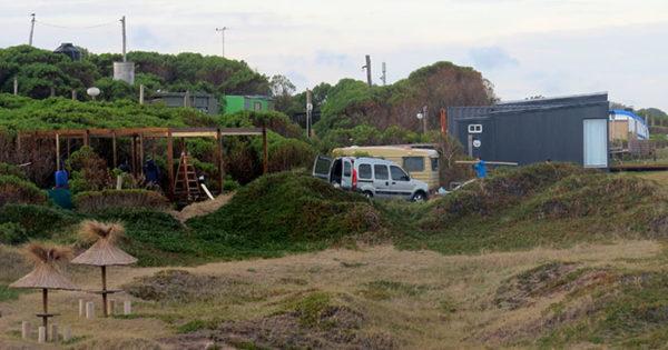 Cabañas en el acantilado: avanza el pedido de informes