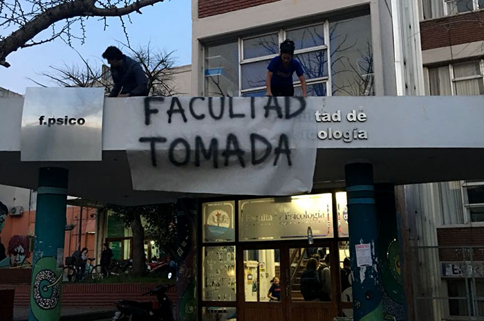 Universidad: estudiantes tomaron Humanidades, Psicología y Salud