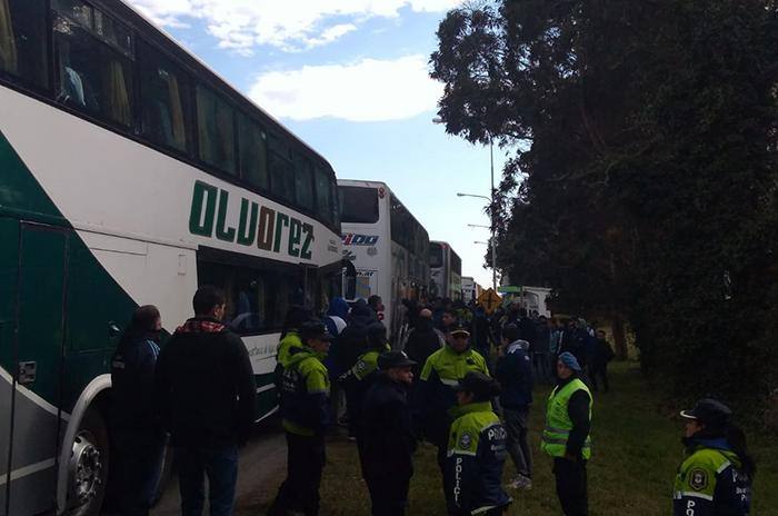 Alvarado – Boca: los hinchas, ilusionados, copan la ruta