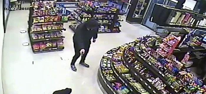 Detienen a un joven porel violento robo en una estación de servicio