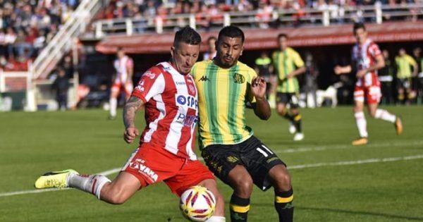 Aldosivi perdió con Unión en su regreso a la Superliga