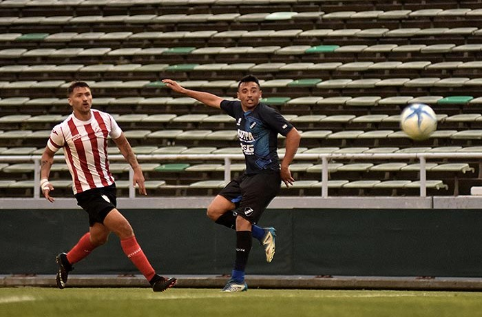 FRANCISCO MOLINA ALVARADO INDEPENDIENTE DE NEUQUEN DEBUT  (38)