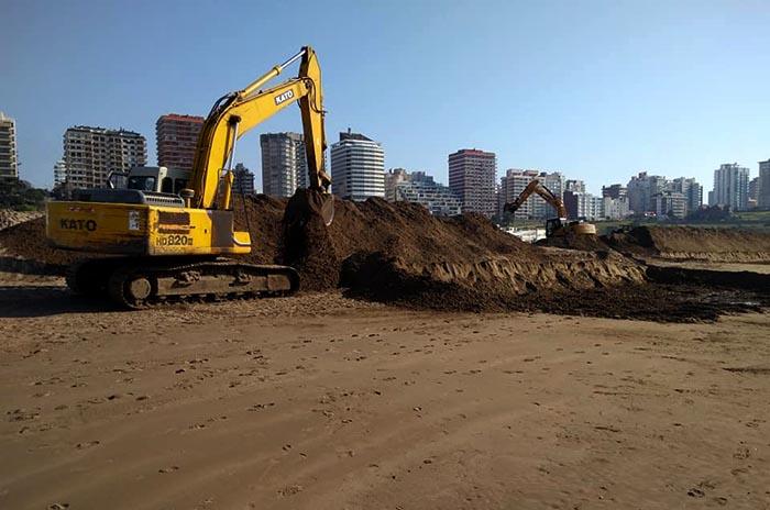Playa Grande: denuncian el movimiento de arena sin permiso